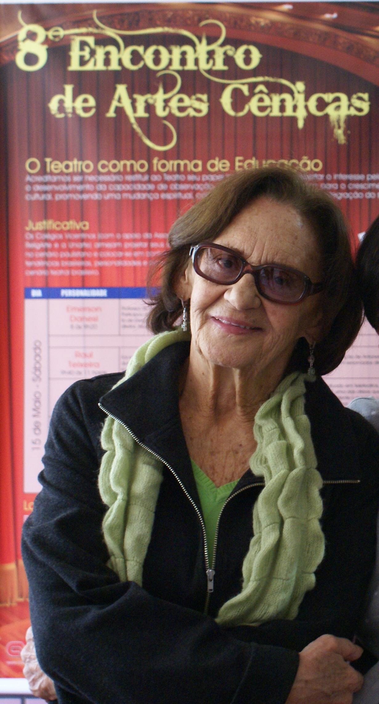 http://upload.wikimedia.org/wikipedia/commons/e/ee/Laura_Cardoso_-_2010.jpg
