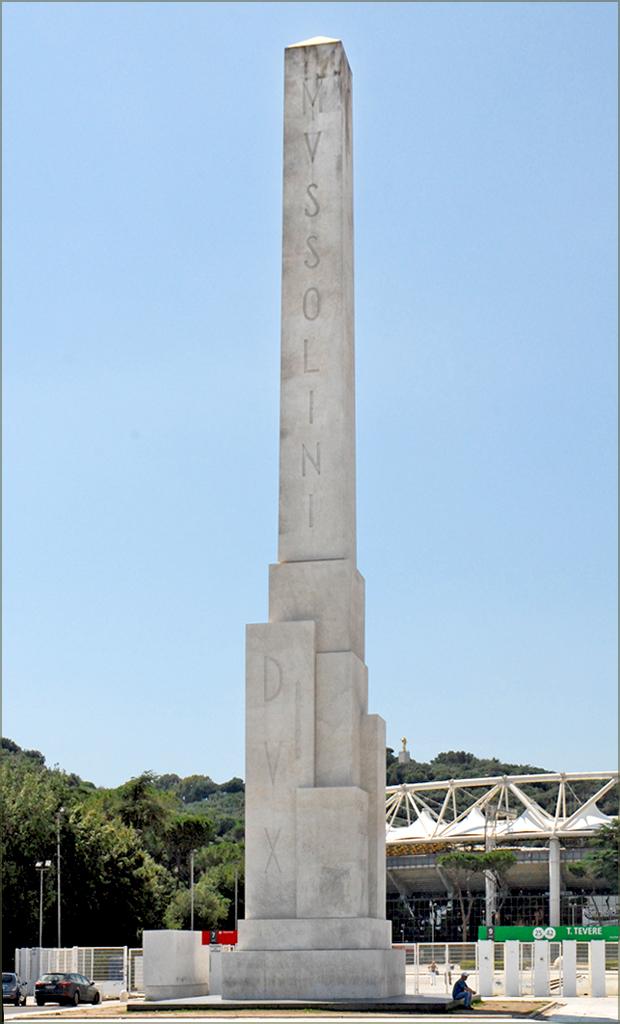 Obélisque Monolithe Mussolini à Rome - Photo de Jean Pierre Dalbéra.
