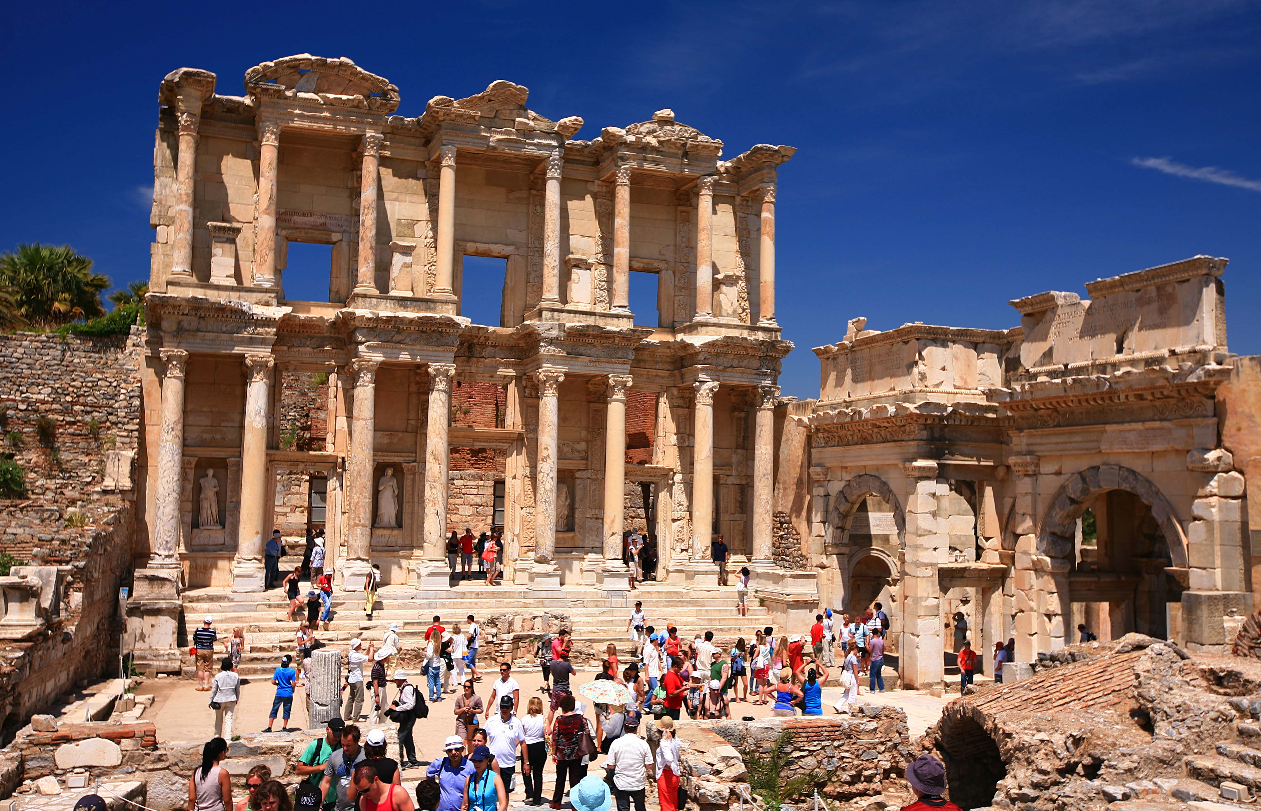 File:Library of Celsus - Ancient City of Ephesus, Selçuk ...