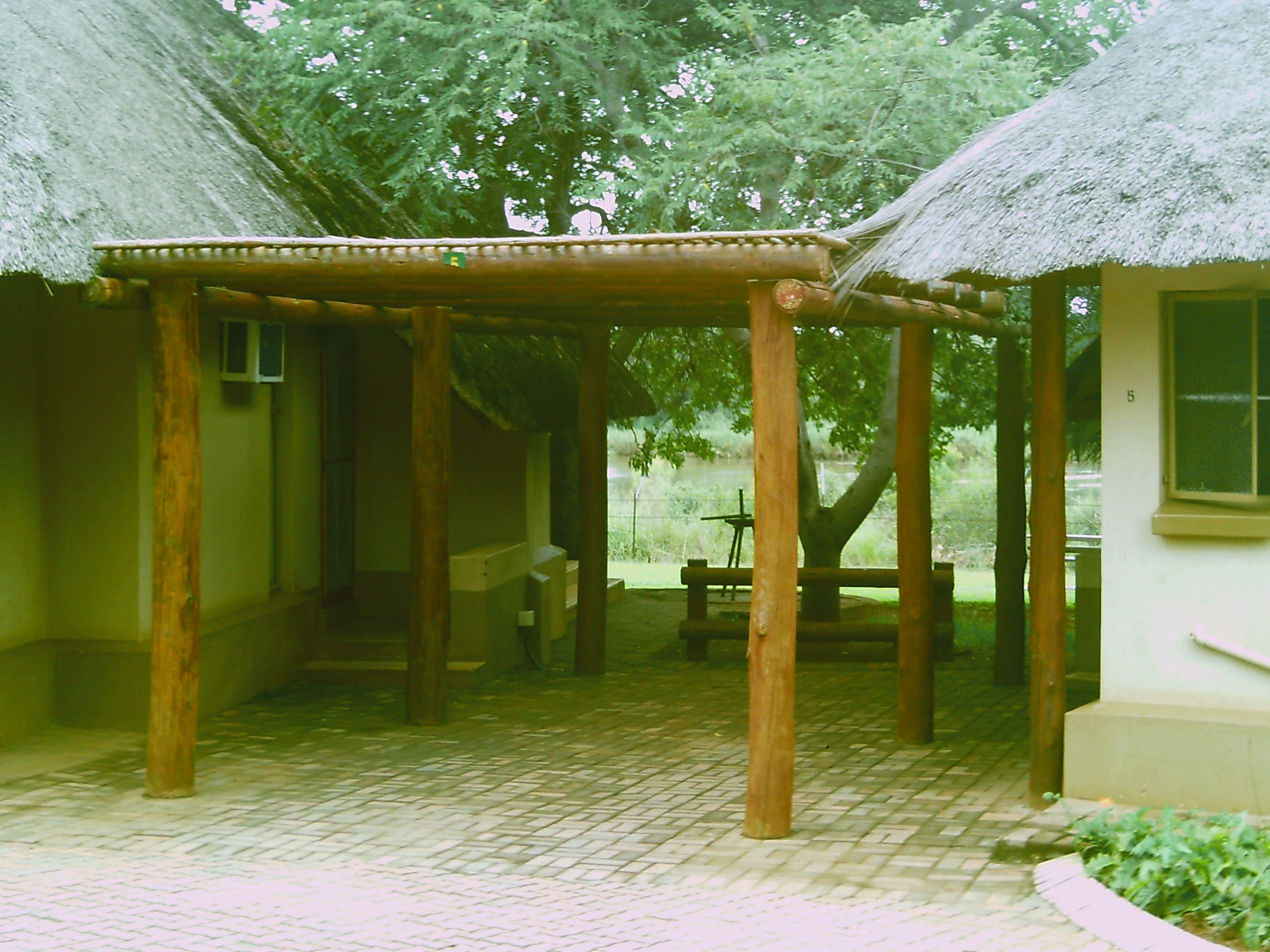 file lower sabie bungalows 23 02 2011 jpg wikimedia commons