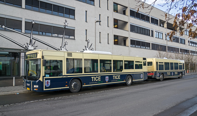 File:MAN Bus mit Anhänger TICE, Lycée technique d\'Esch-sur-Alzette ...