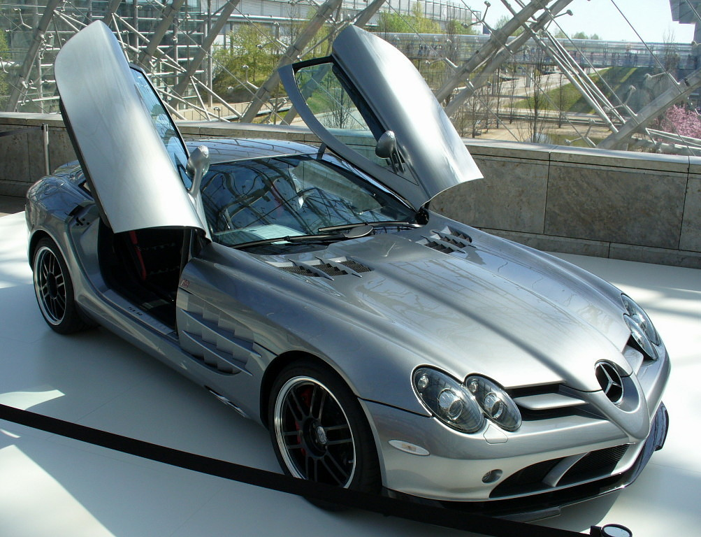 Mercedes Benz SLR 722 Luxury Cars