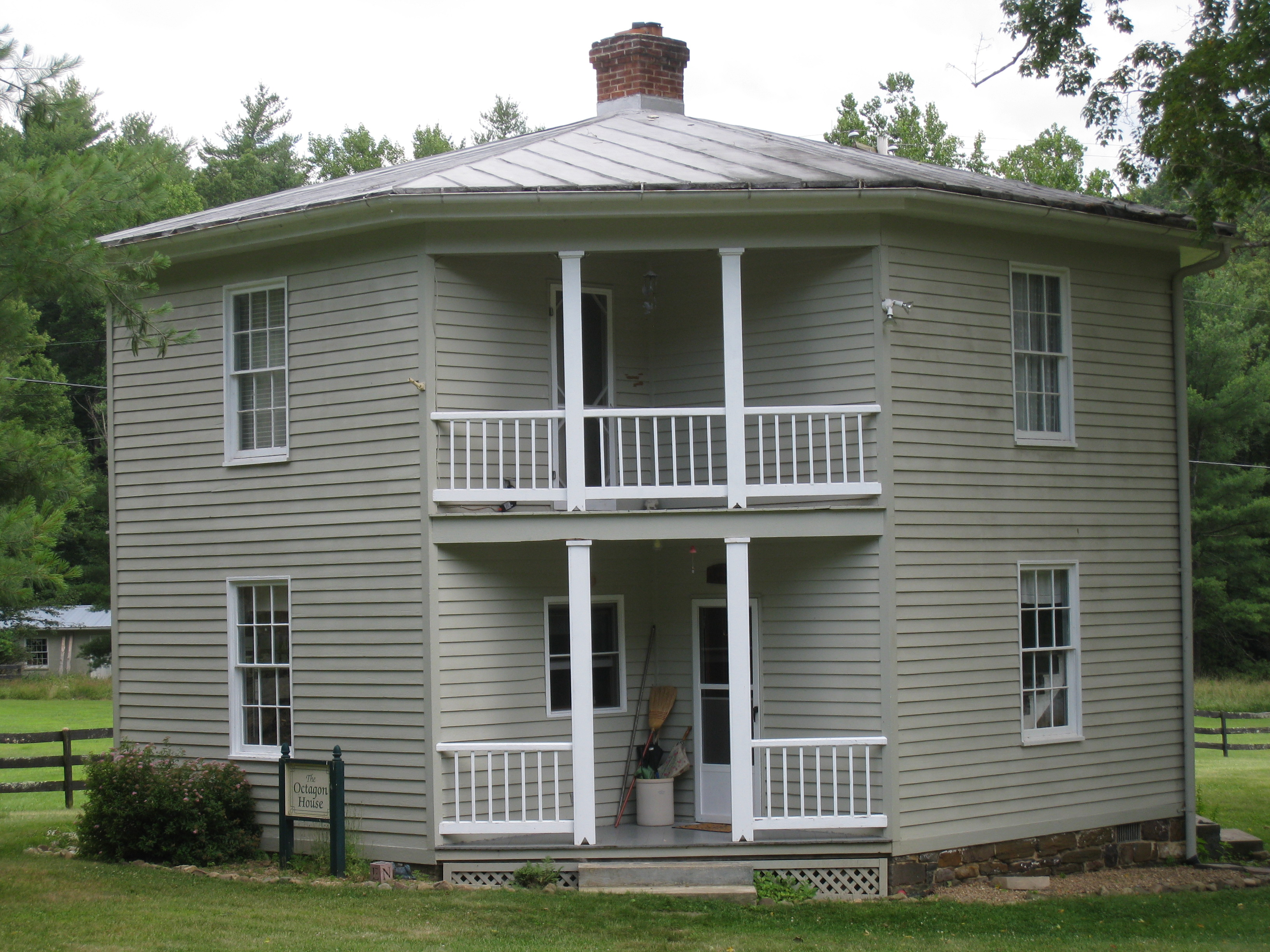 Octagon houses in West Virginia