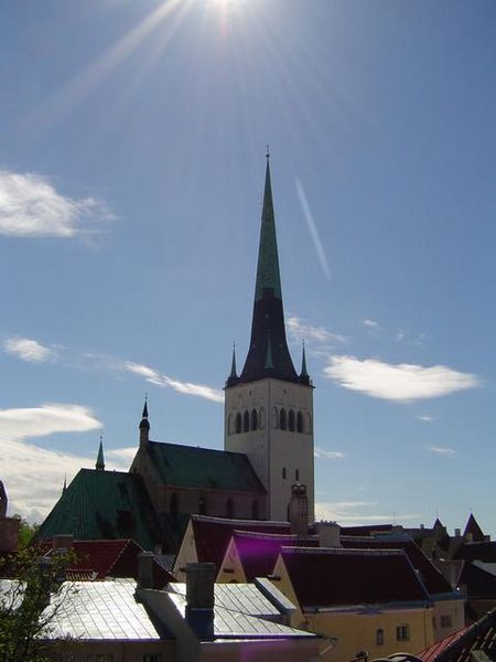 Oleviste_kirik_in_Tallinn%2C_Estonia.jpg