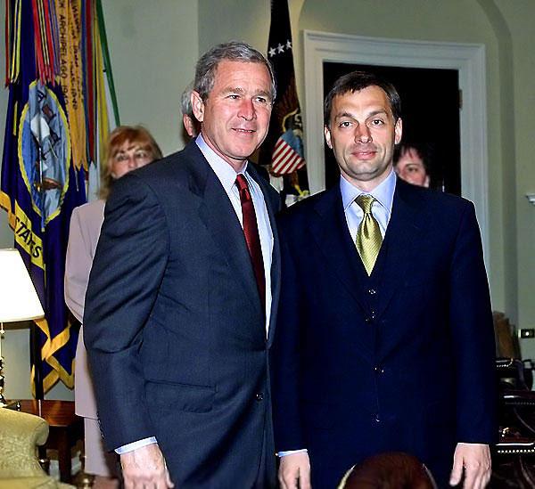 Fájl:Orbán and Bush.jpg