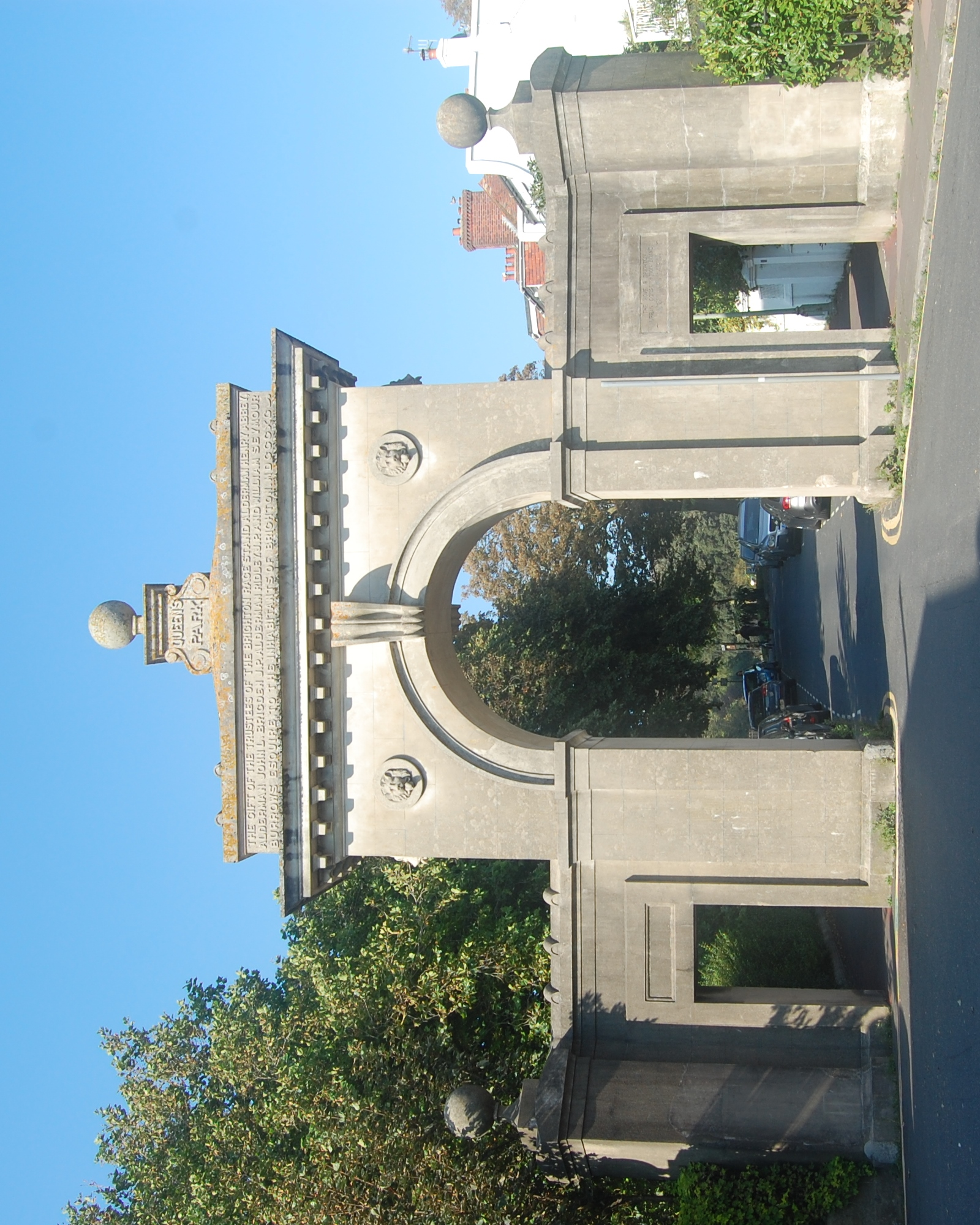 File:Park Street Gate, Park Street, Queen's Park, Brighton (NHLE Code 1380703) (August 2019) (2).JPG
