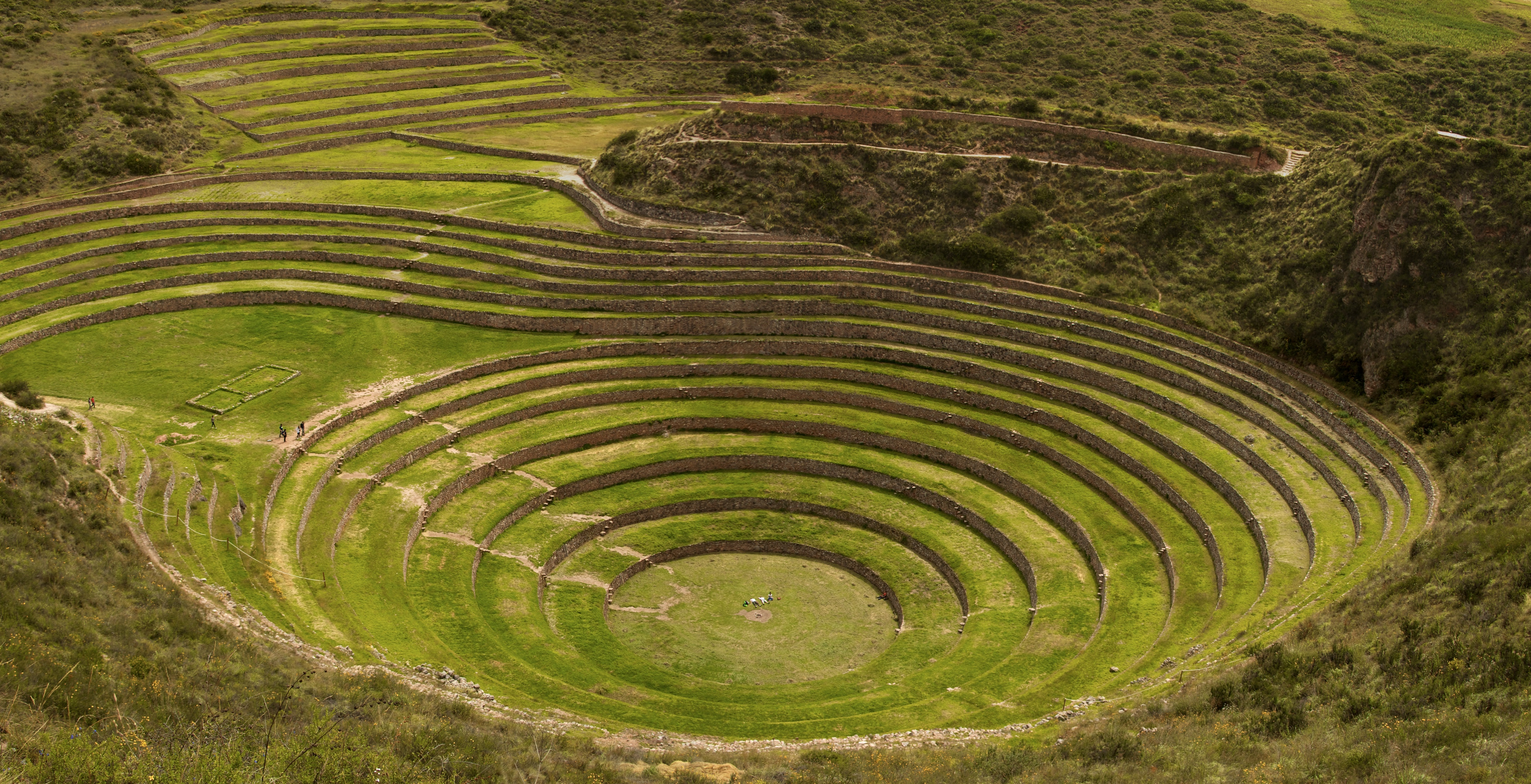 File peru cusco sacred valley incan ruins 045 moray for What does terrace farming mean