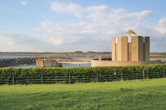 Pump House at Rutland Water - geograph.org.uk - 160883