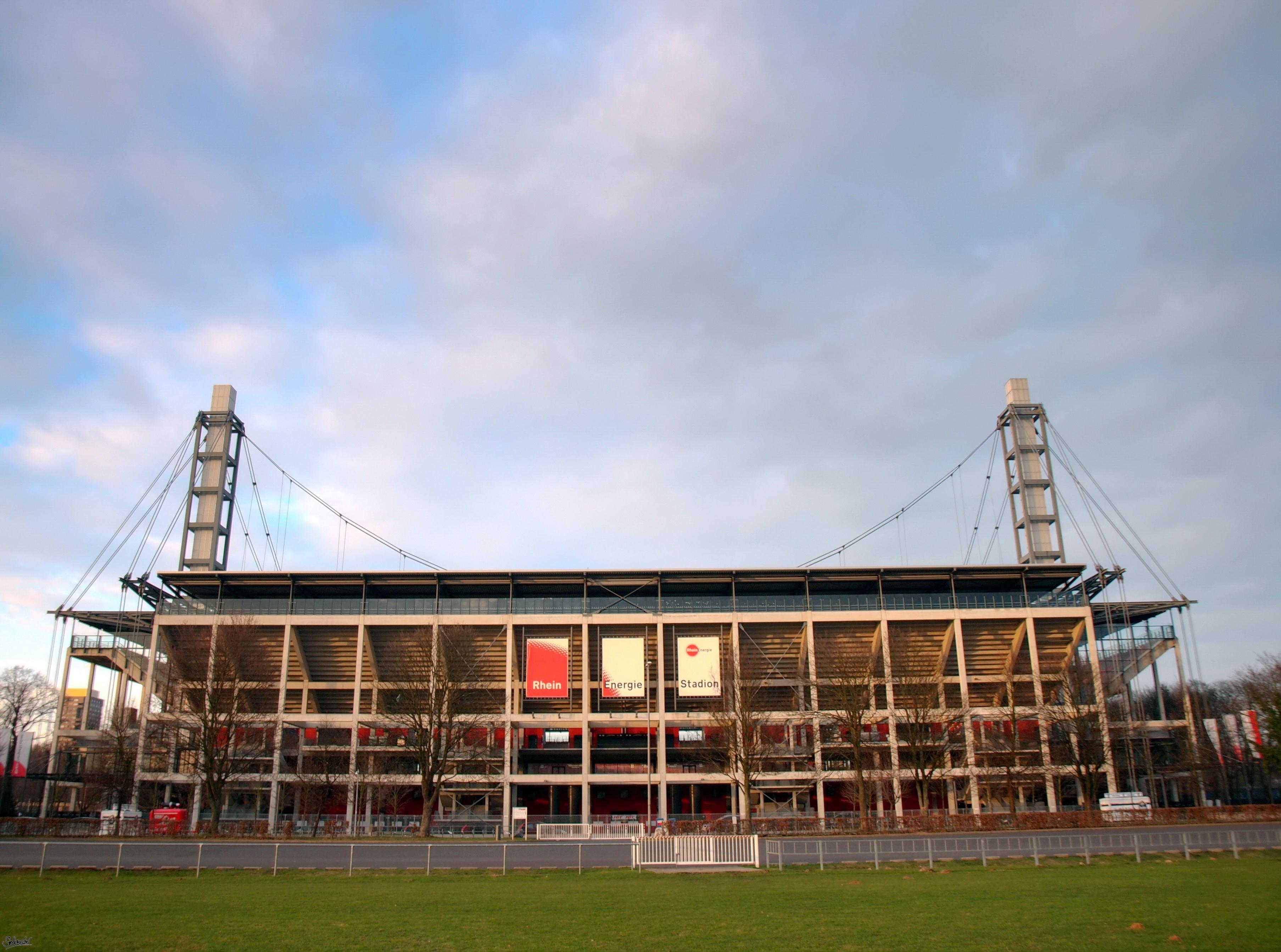 Sebesség társkereső köln rheinenergiestadion