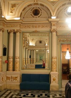 EL HILO DE LOS VIAJES - Página 3 Sal%C3%B3_dels_Miralls_(Gran_Teatre_del_Liceu)