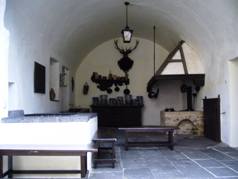 File:Schloss Bürresheim Sommerküche.JPG - Wikimedia Commons