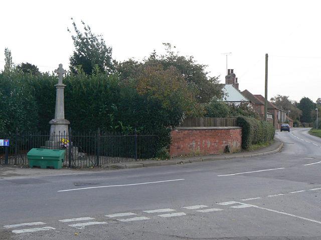 Shelford War Memorial - geograph.org.uk - 1555447