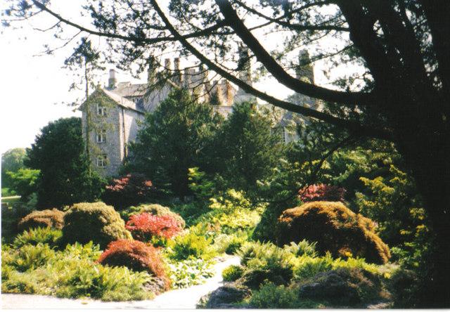 File:Sizergh Castle gardens.jpg