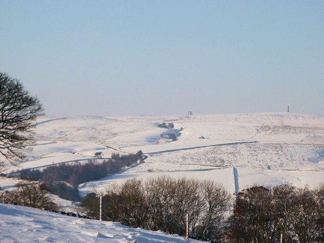 File:Snow around the Allendale lead smelting flue chimneys - geograph.org.uk - 1172773.jpg