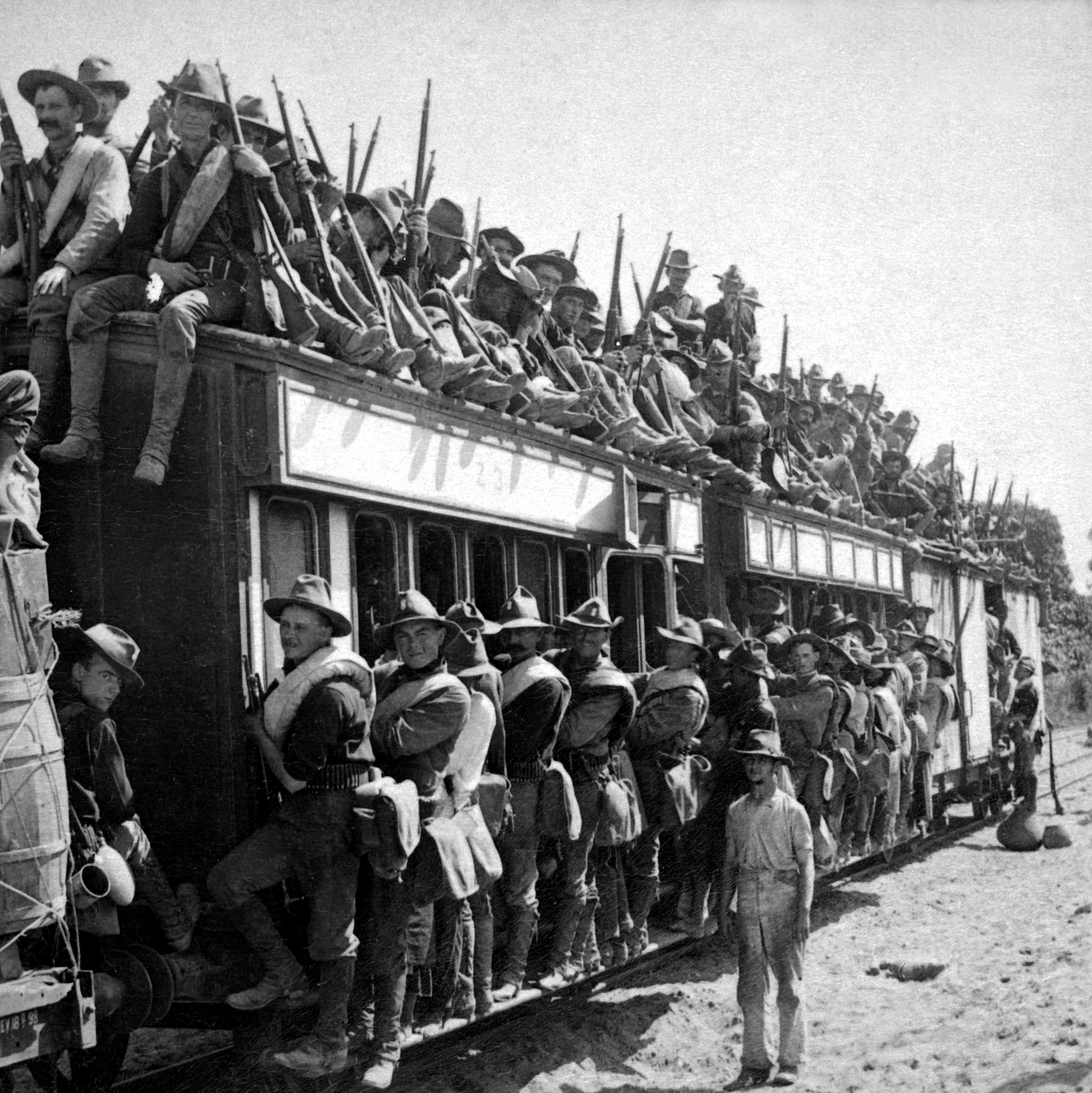 File Soldiers On A Train Jpg Wikimedia Commons