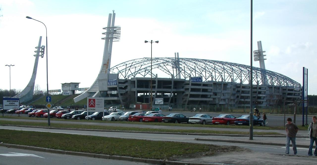 Lech Poznań Wikipedia: File:Stadion Lecha Poznań.JPG
