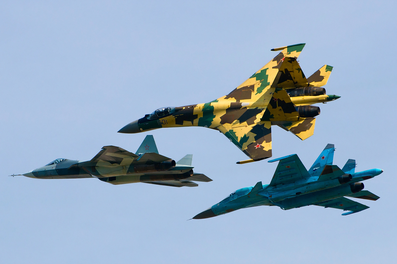 Russian Military Photos and Videos #2 - Page 4 Sukhoi_Su-35S,_Su-34_and_T-50_flying_together
