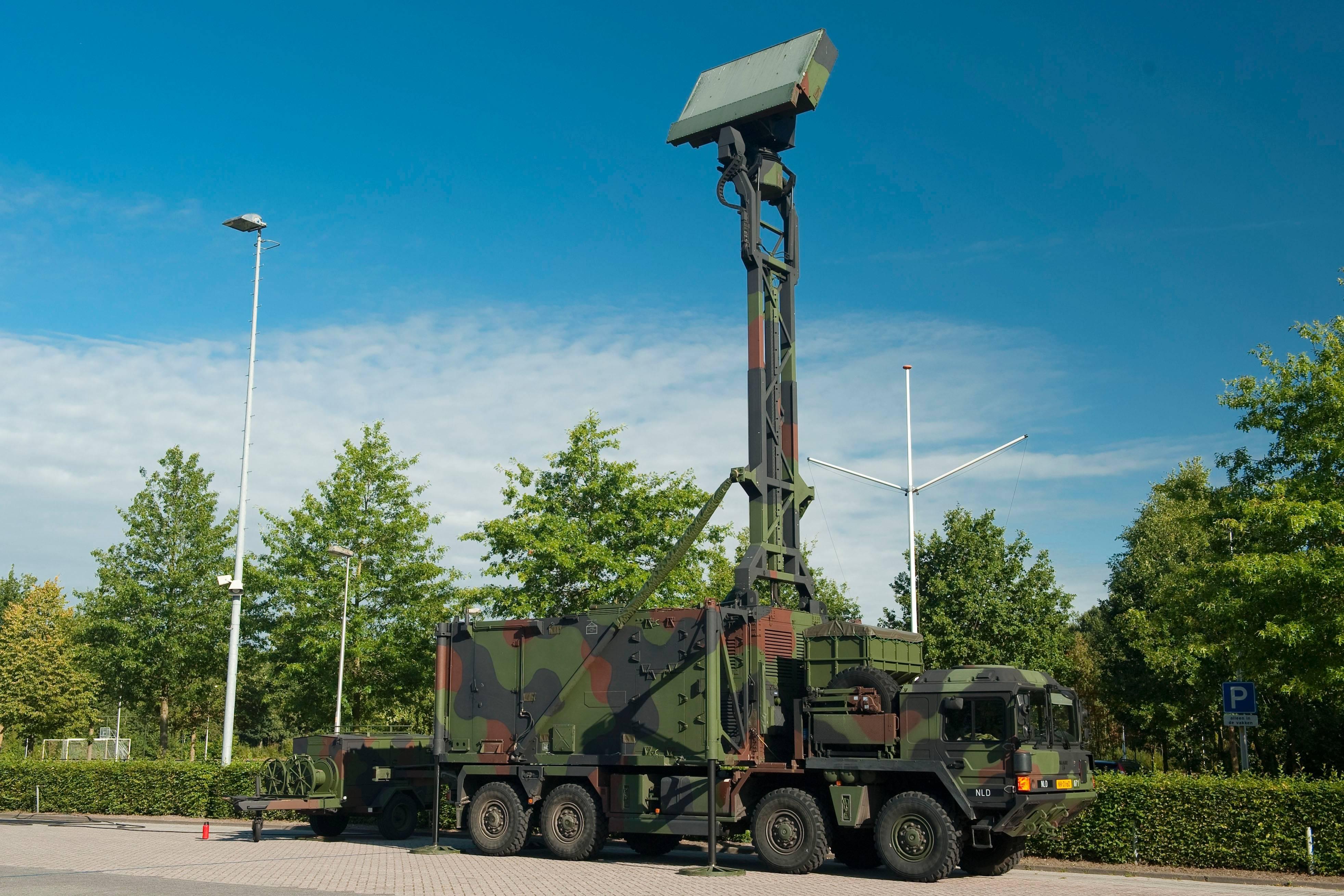 File:TRML radar DGLC op een MAN 8x8 vrachtwagen jpg