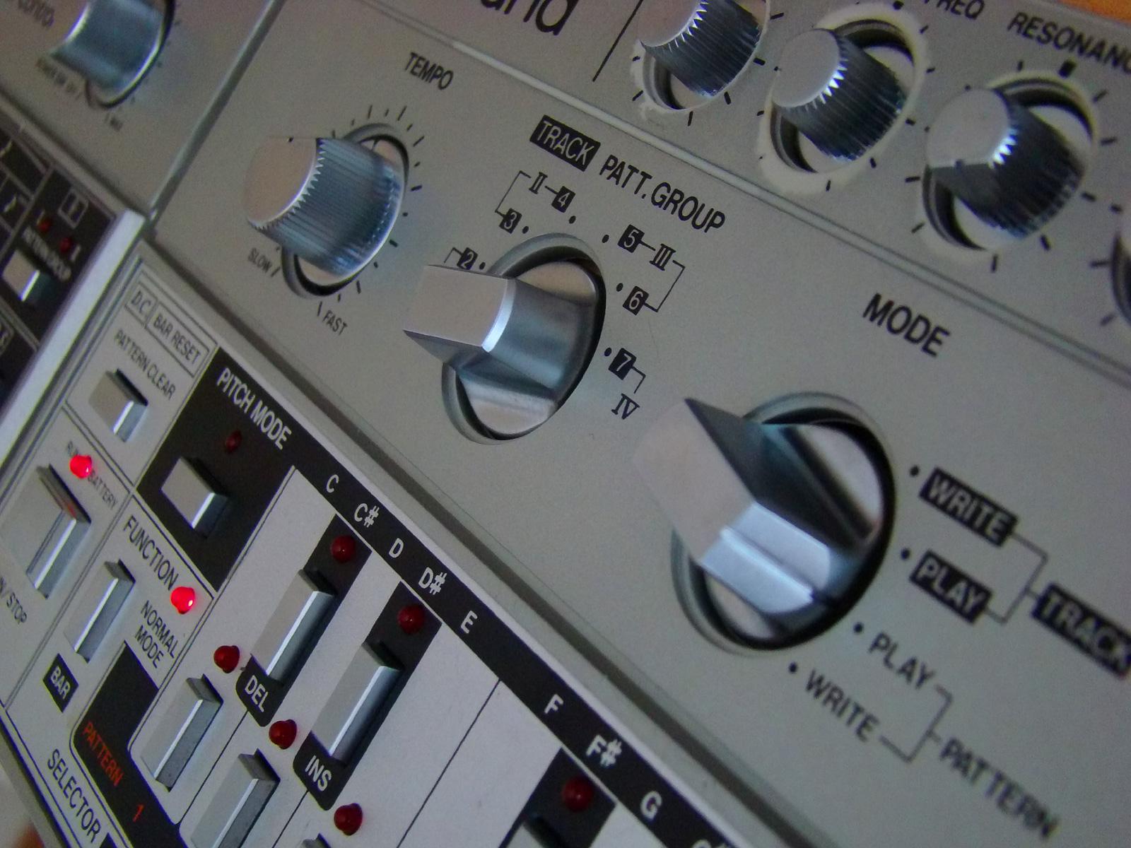 Tb303 closeup.jpg