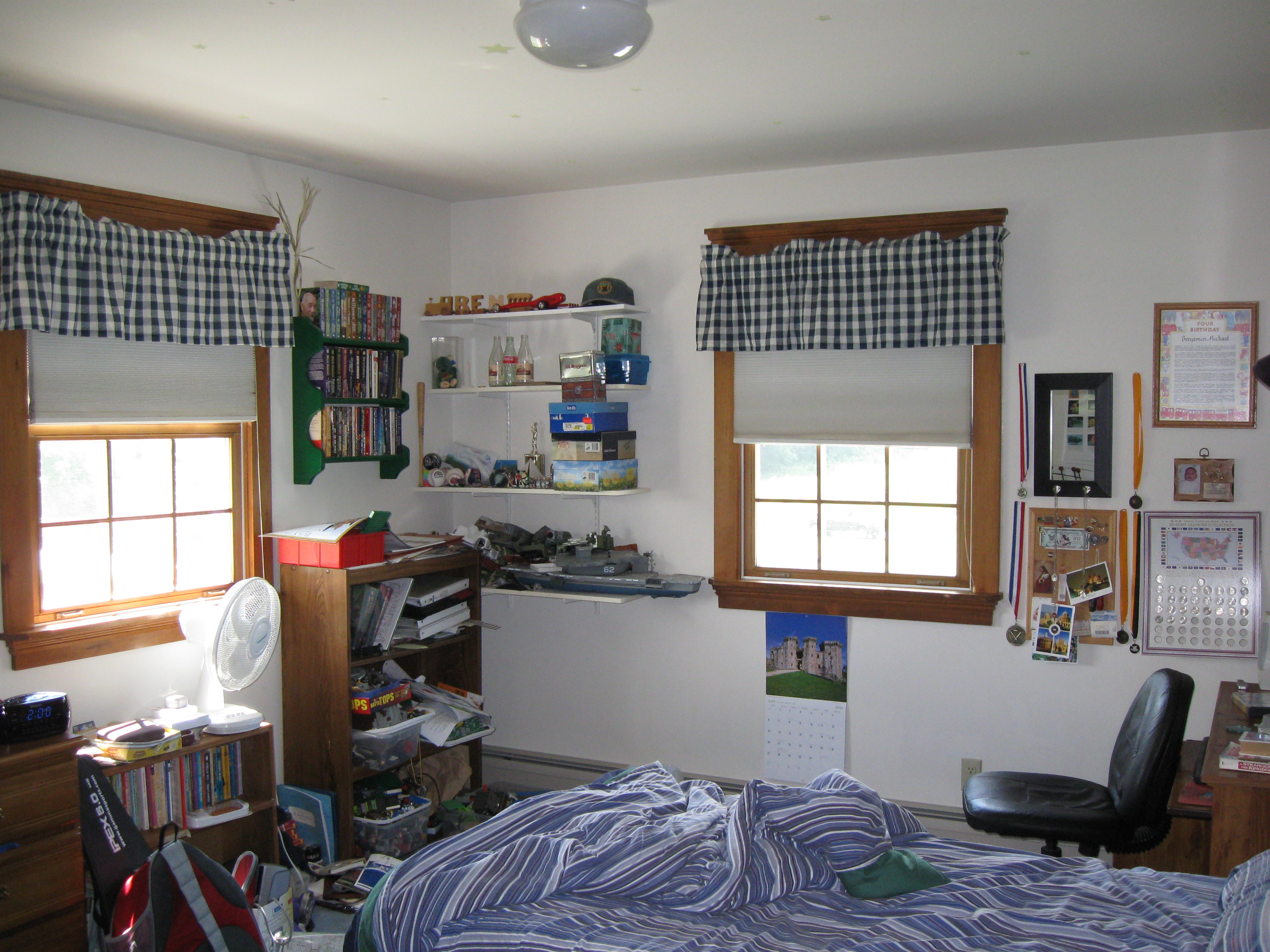 Cool Rooms With Bunkbed Cutains