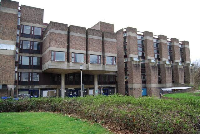 100 υποτροφίες για διδακτορικούς φοιτητές από το Πανεπιστήμιο του Κεντ Templeman_Library,_University_of_Kent_-_geograph.org.uk_-_1211656