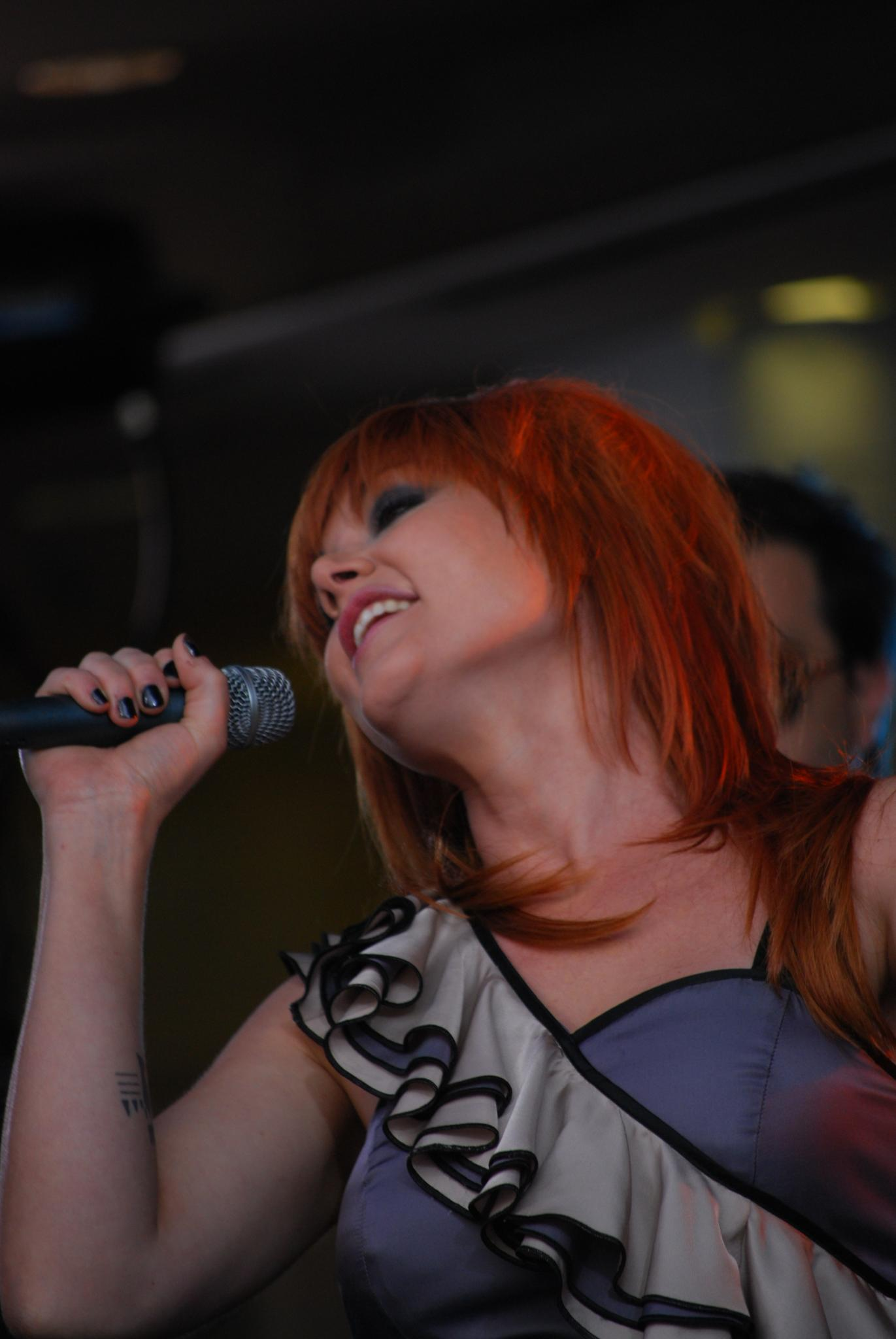 Tilt - Vanessa Amorosi - Ch9 Today Show, Bourke Street Mall - Flickr - avlxyz.jpg Vanessa Amorosi singing her first number 1 single This is
