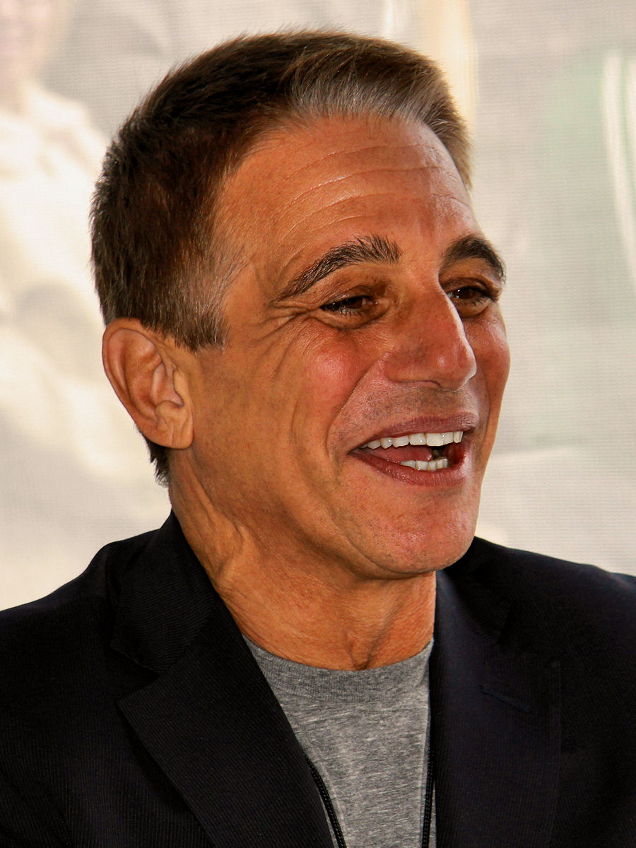 The 71-year old son of father Matty Iadanza and mother  Anne Cammisa, 175 cm tall Tony Danza in 2017 photo