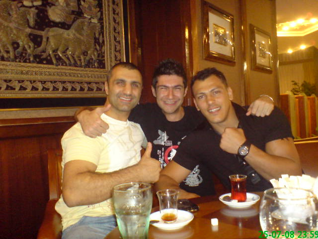 File:Topuz, me, Zabit.jpg - Wikimedia Commons