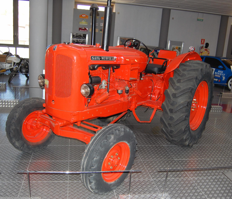 Archivo:Tractor SAVA-NUFFIELD.jpg - Wikipedia, la enciclopedia libre