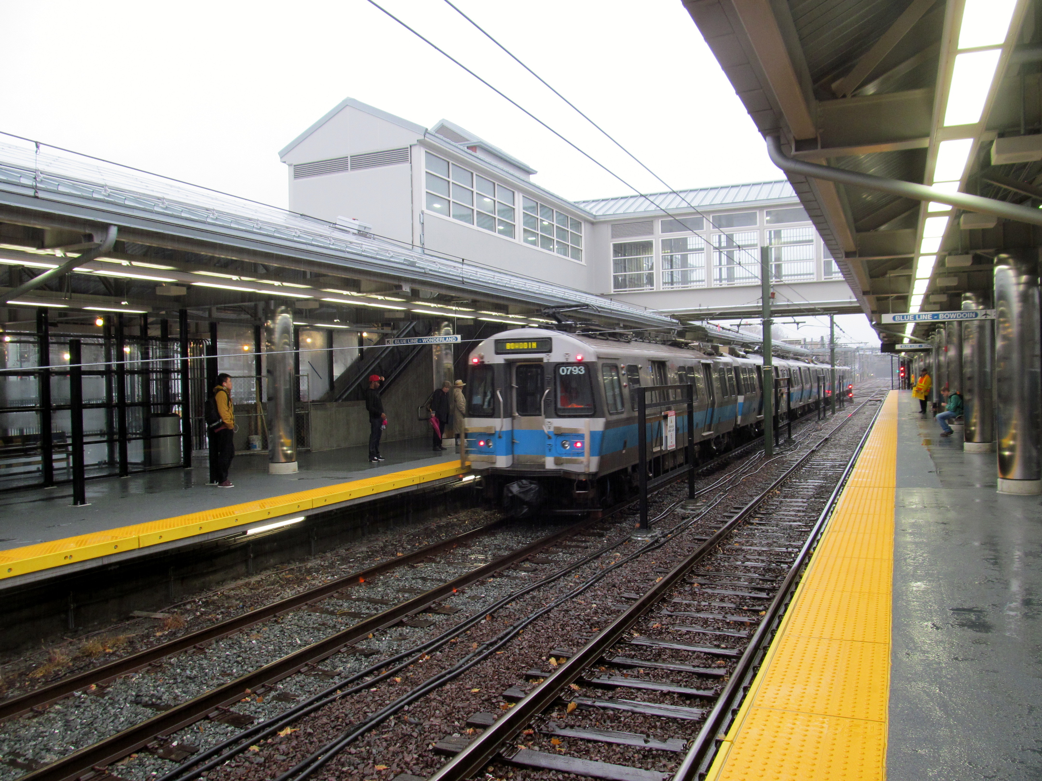 An inbound Blue Line train arriving at Orients Heights Station in Boston. Image by user Pi.1415926535, licensed by CC BY-SA 3.0.
