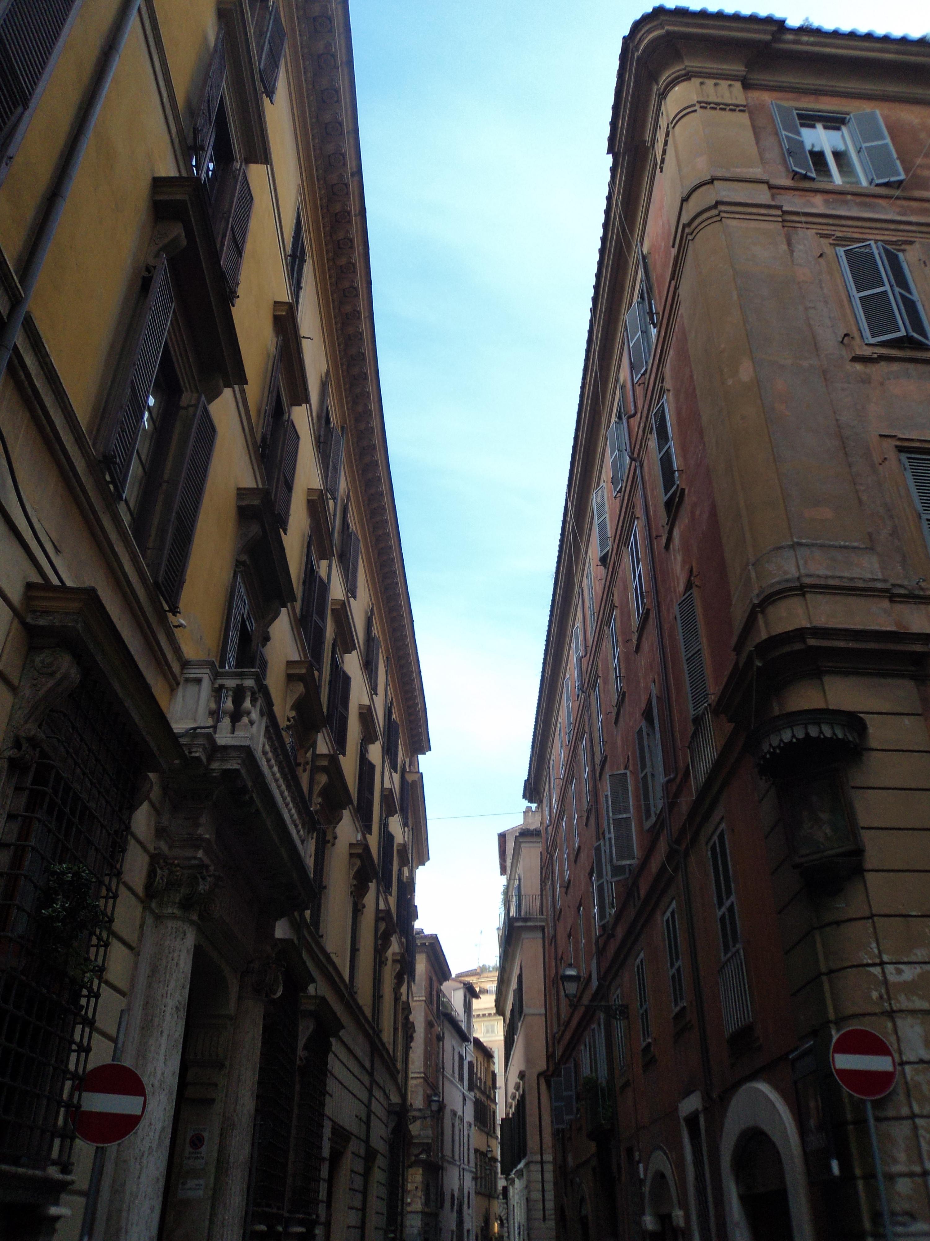 File:Via del Gesù (Roma).JPG - Wikimedia Commons