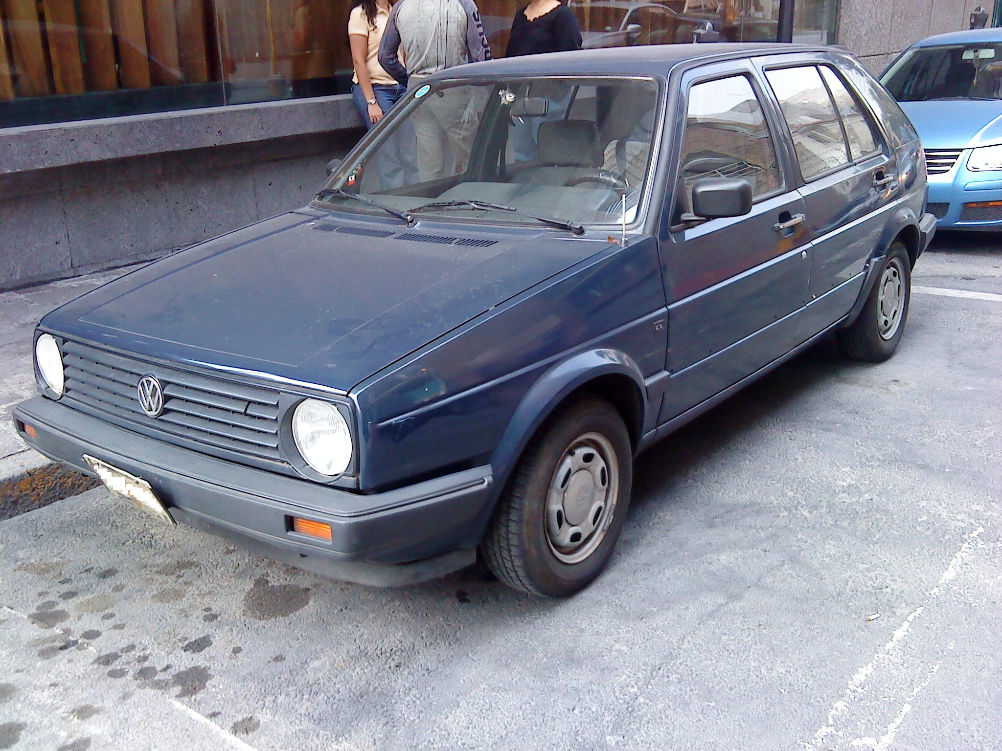 Description Volkswagen Golf CL 1988 Azul Marino ftl.jpg