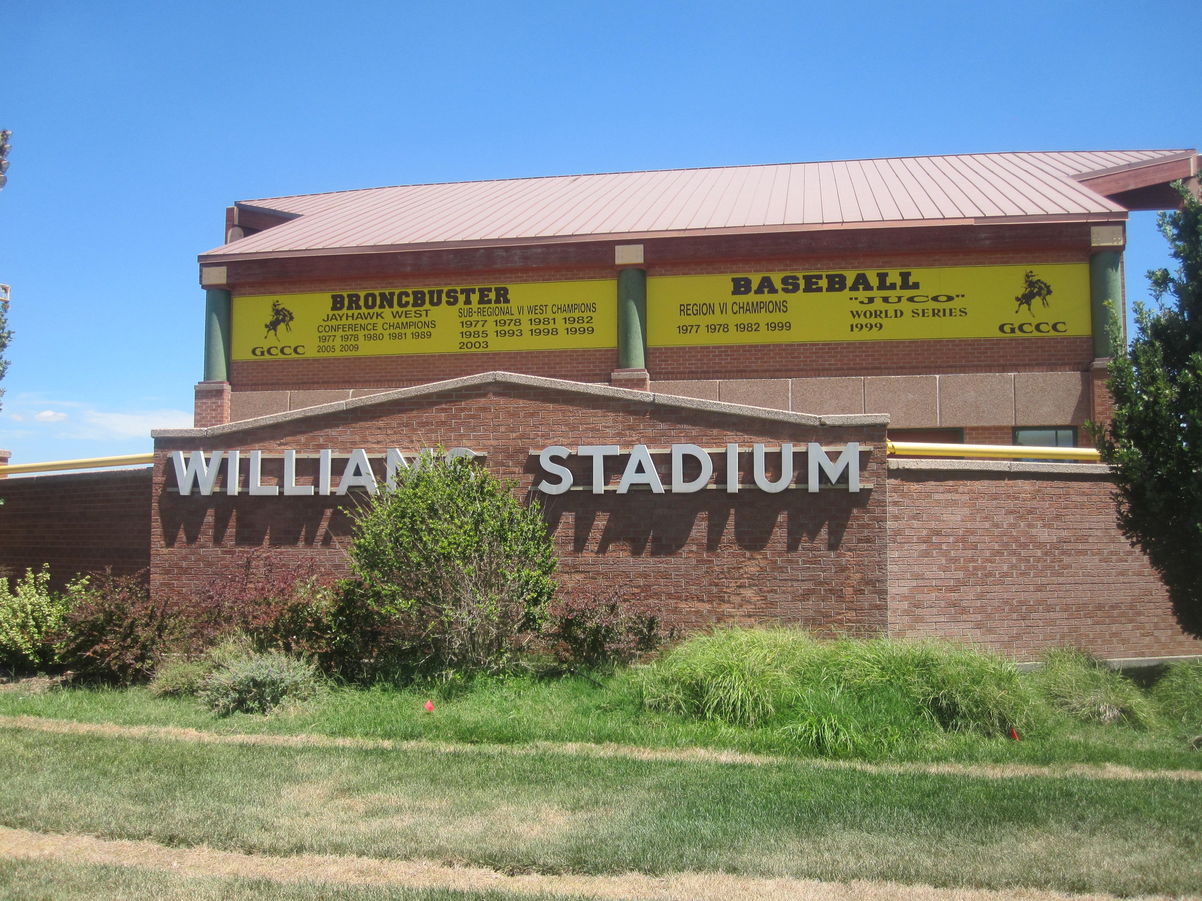 File williams stadium garden city community college img 5859 jpg wikimedia commons for Garden city community college baseball