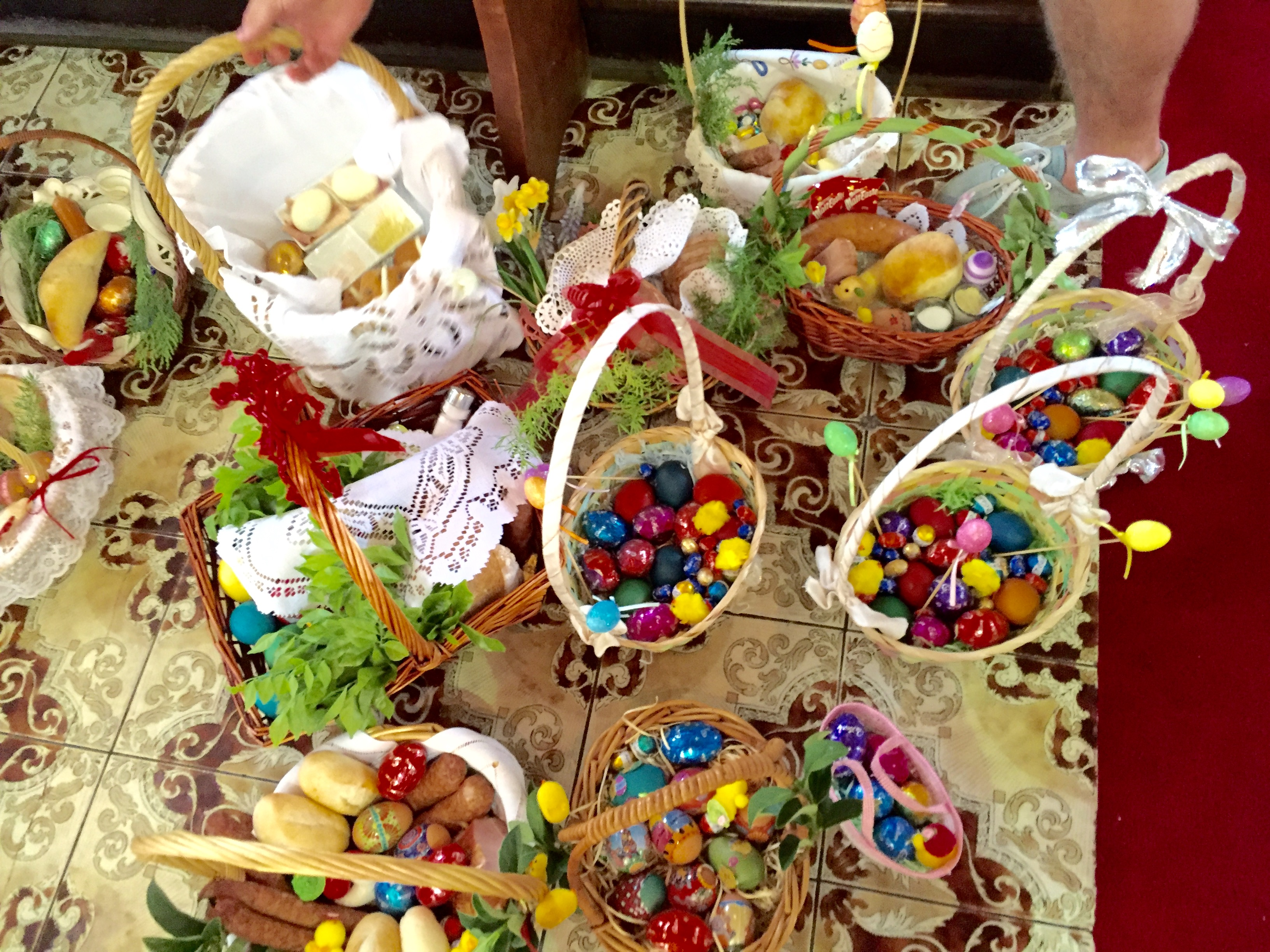 Filewiconka blessing easter basket in brisbaneeg filewiconka blessing easter basket in brisbaneeg negle Images