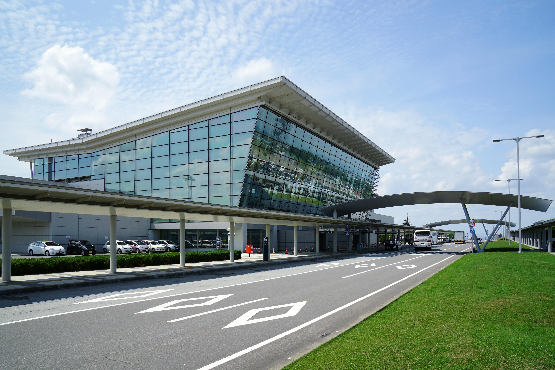 北大 東 空港