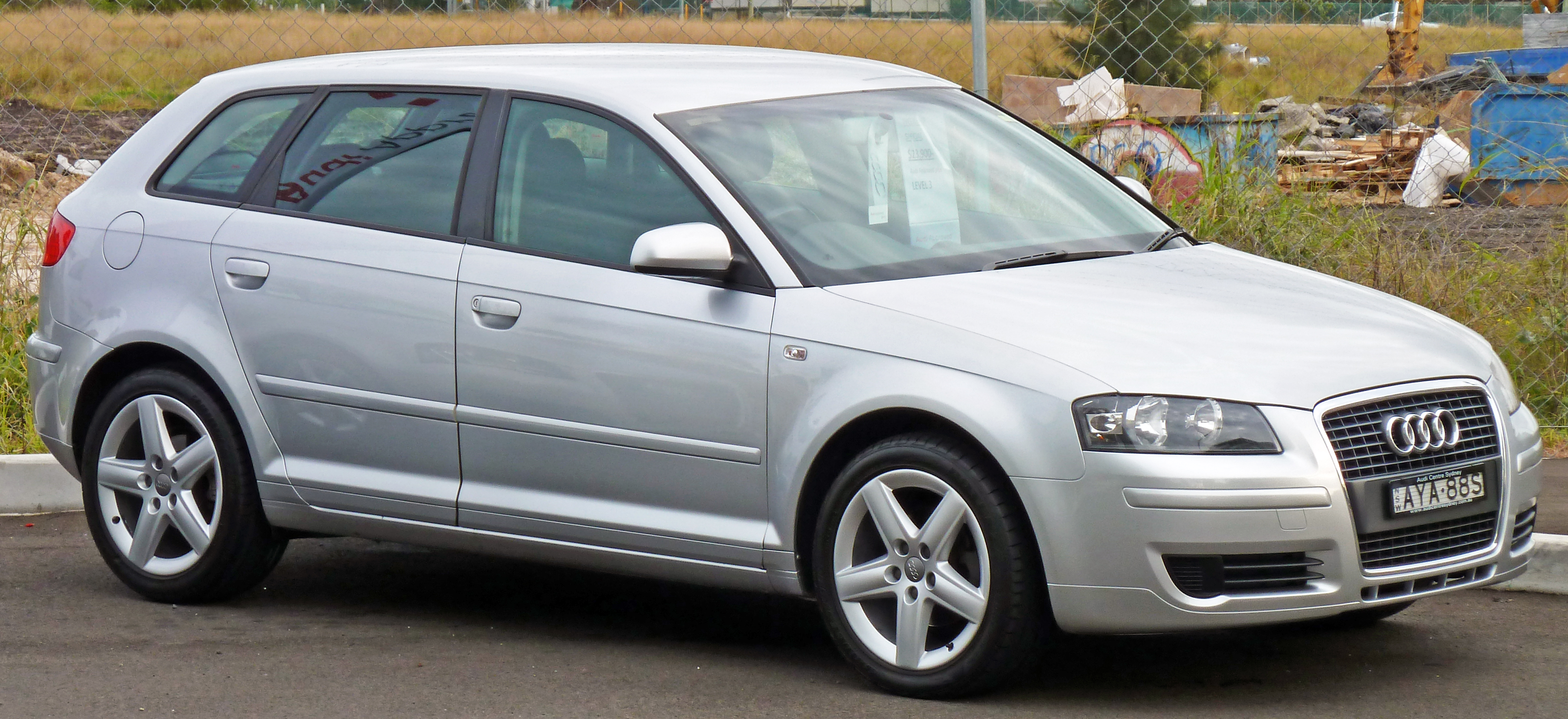 file 2005 audi a3 8pa 1 6 attraction 5 door sportback wikimedia commons. Black Bedroom Furniture Sets. Home Design Ideas