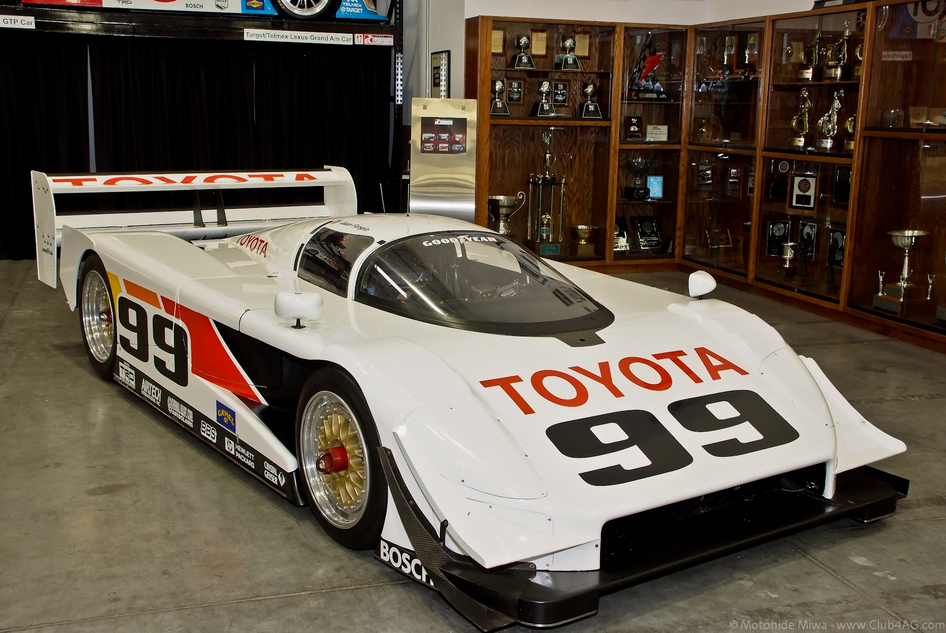 2011_11_26_Toyota_HQ-20-37_-_Flickr_-_Moto%40Club4AG.jpg