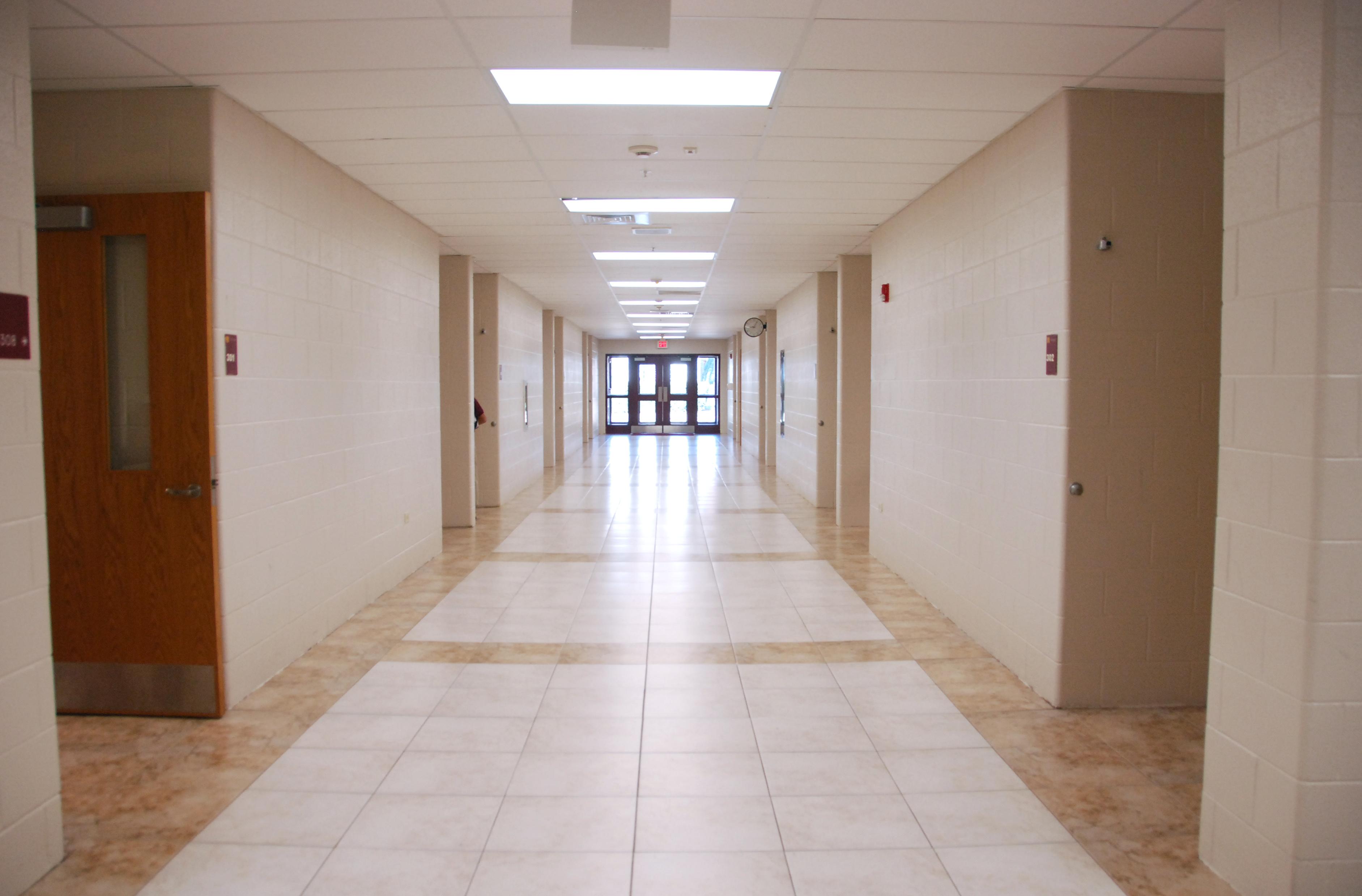 Corridor Design: File:300 Corridor, Inside.jpg