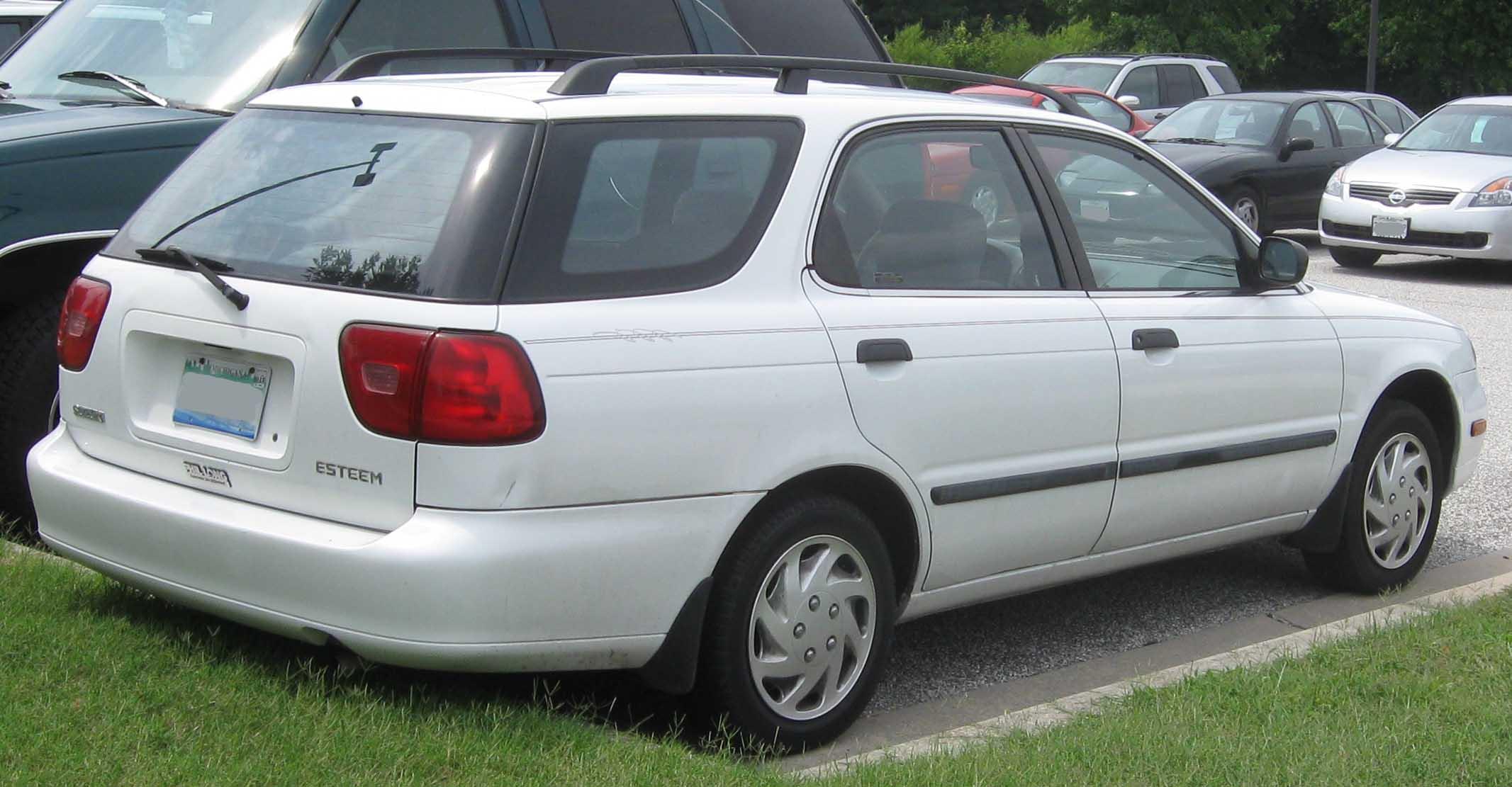 File:99-02 Suzuki Esteem wagon rear.jpg - Wikimedia Commons