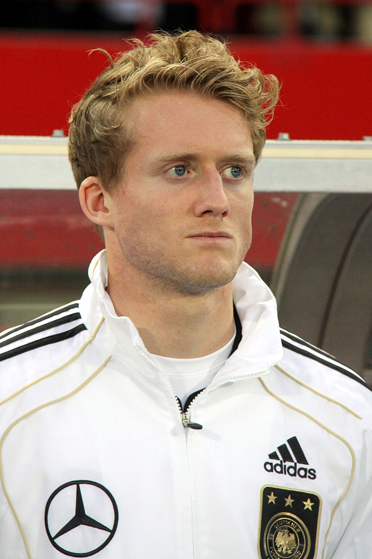 The 27-year old son of father Joachim Schürrle and mother Luise Schürrle, 184 cm tall André Schürrle in 2017 photo