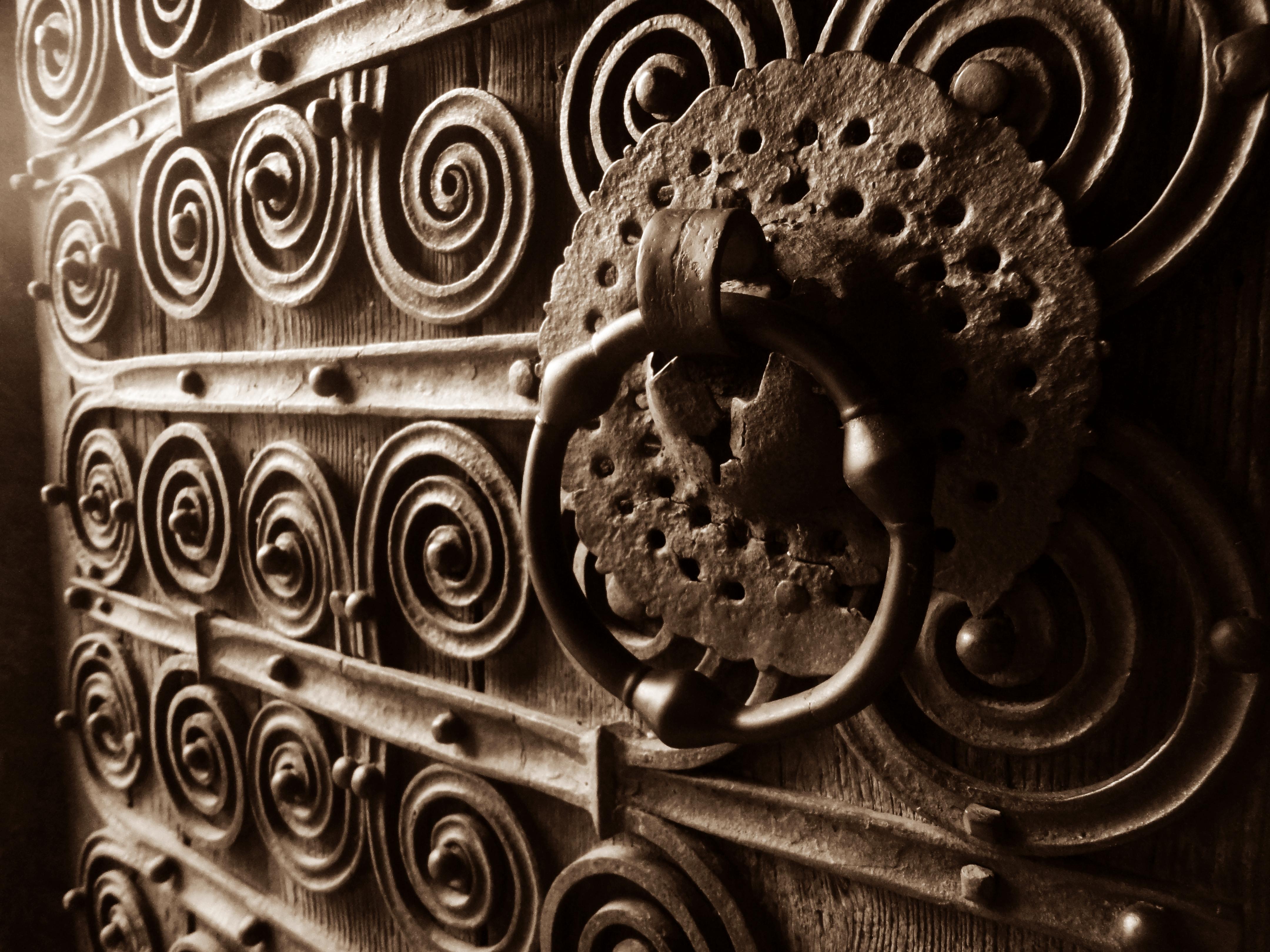 FileAntique door.JPG & File:Antique door.JPG - Wikimedia Commons