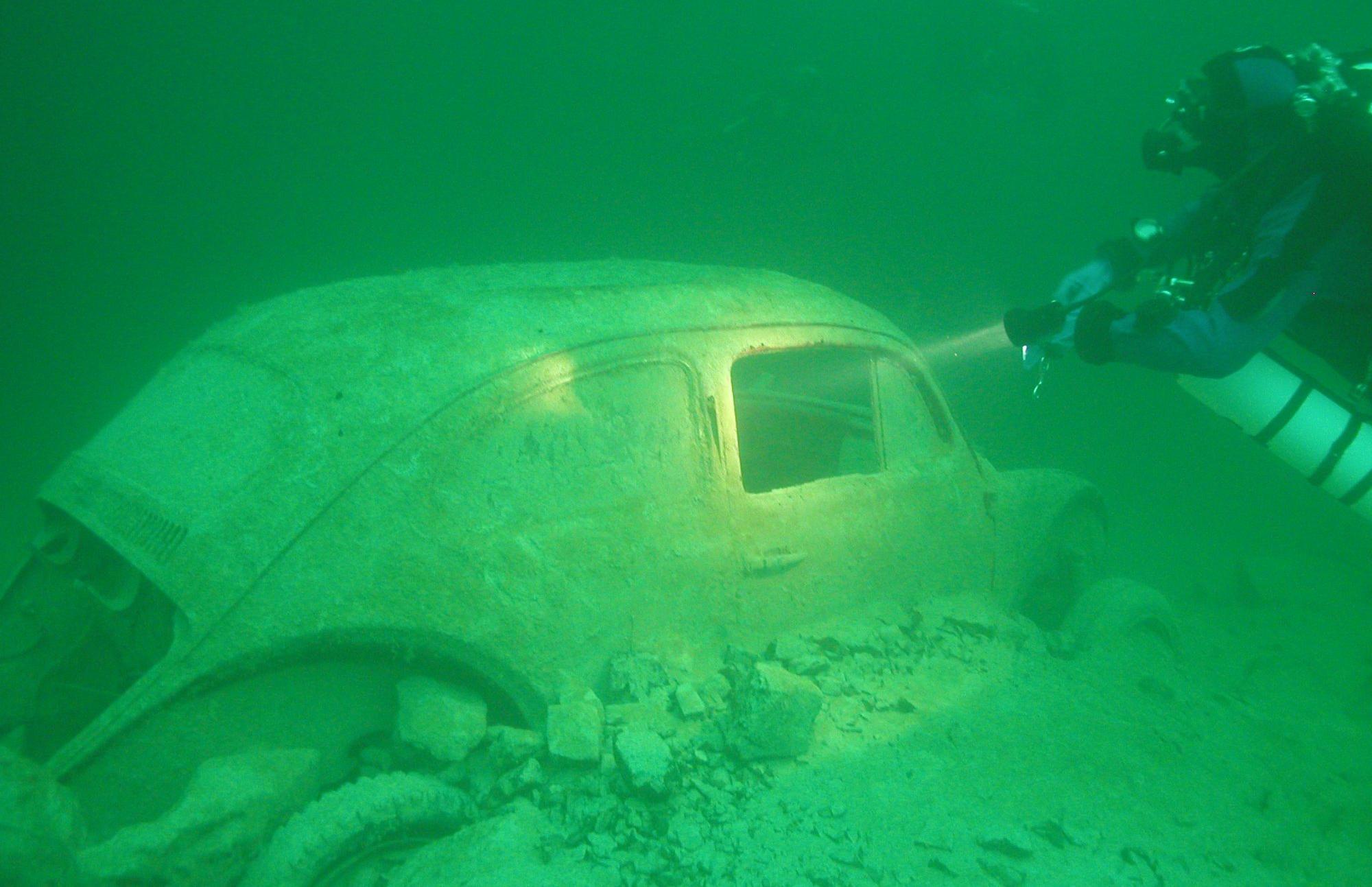 сад затонувшие автомобили фото одним увлекательным