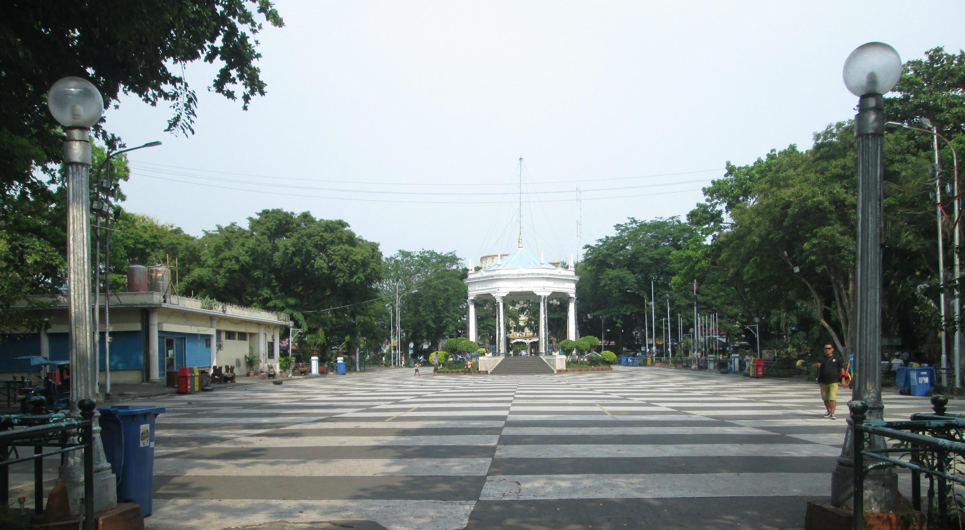 Resulta ng larawan para sa bacolod plaza map