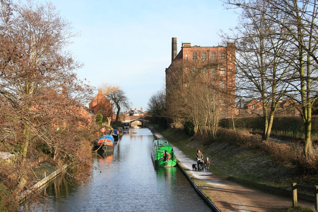 Birmingham and Fazeley Canal - geograph.org.uk - 675622