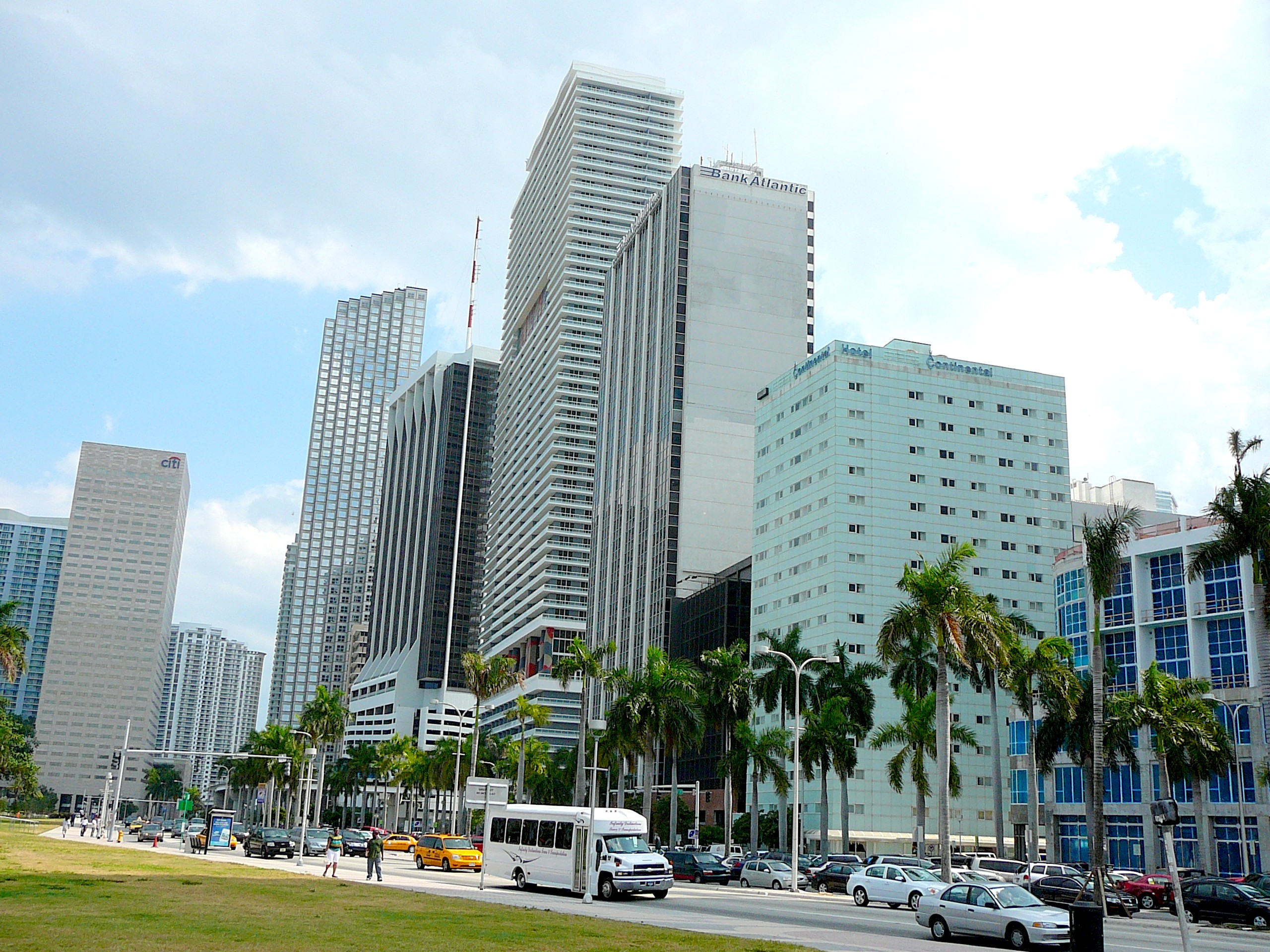 Hotels On Biscayne Blvd Downtown Miami