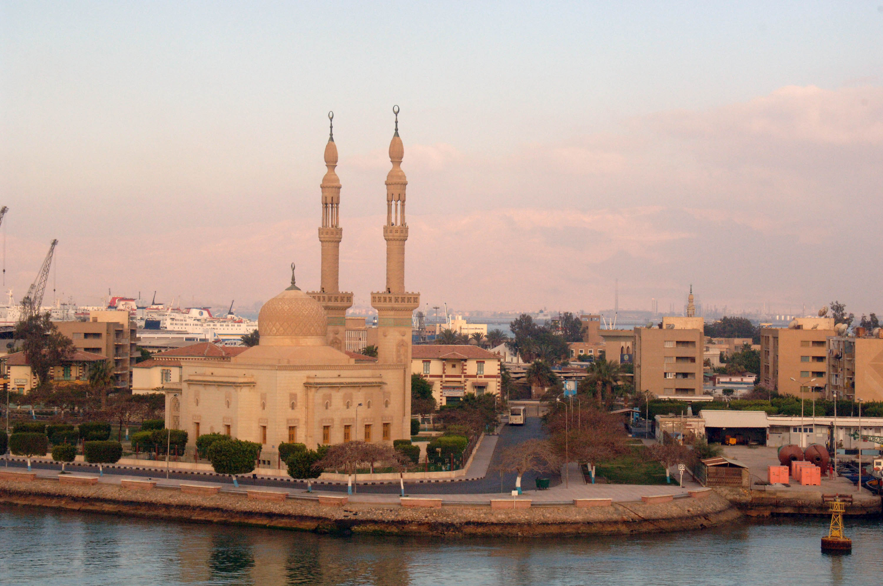 Suez Egypt  city photos gallery : Description CITY OF SUEZ, EGYPT