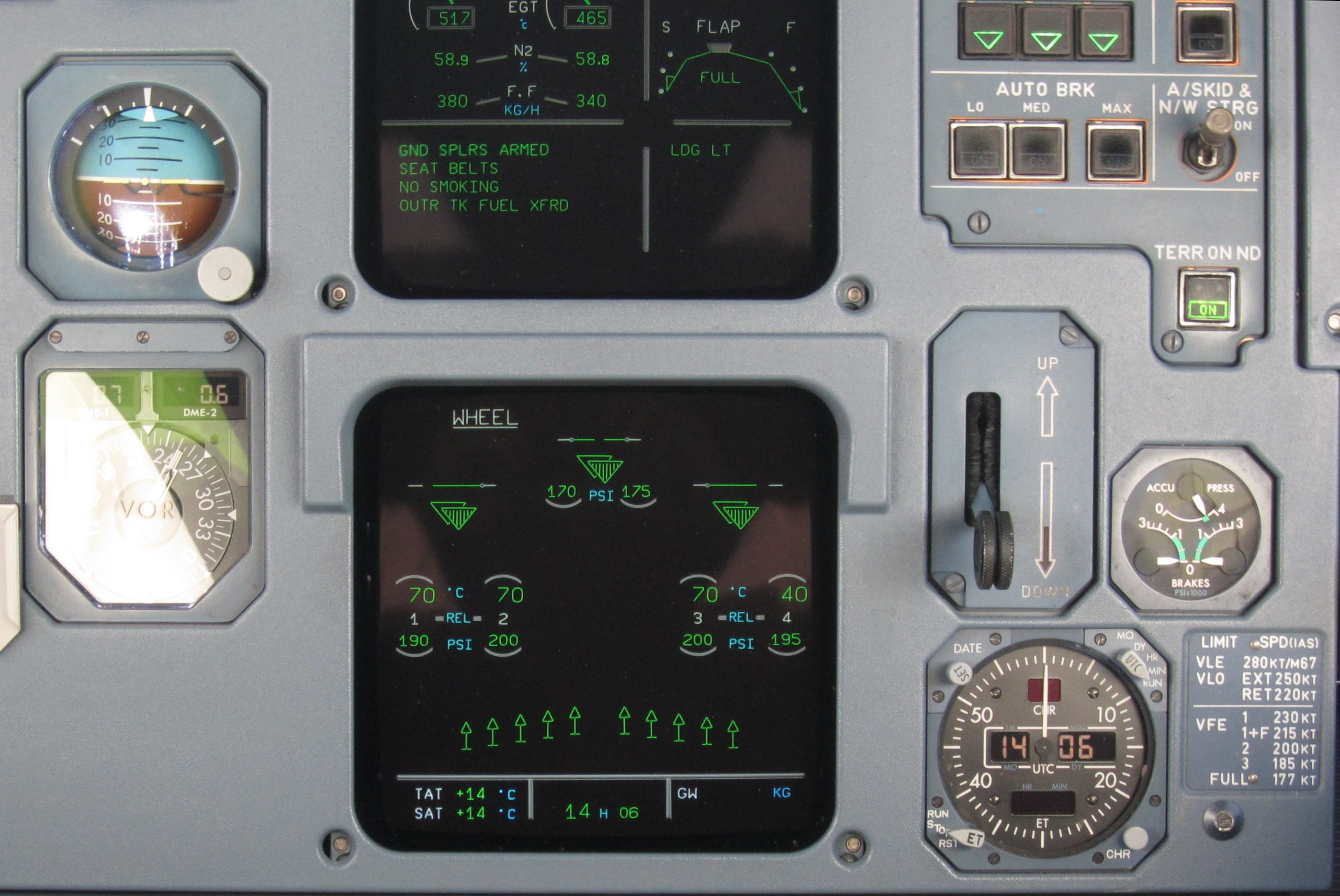 File:Center panel display indicating spoilers deployment in