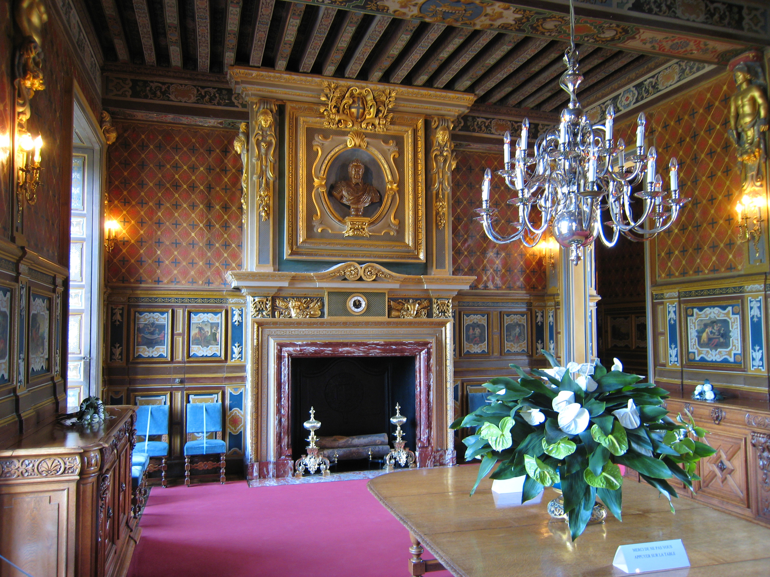 File wikimedia commons for Interieur chateau