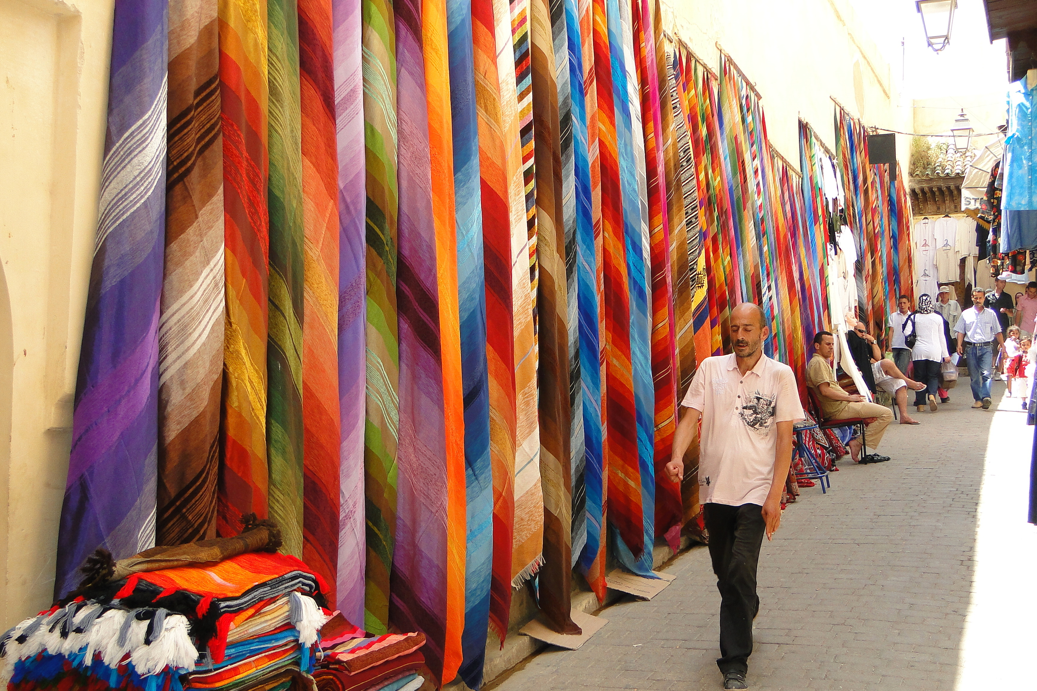 File Colorful Cloth for Sale - Medina (Old City) - Fez - Morocco.jpg ... 2bac539a2cb