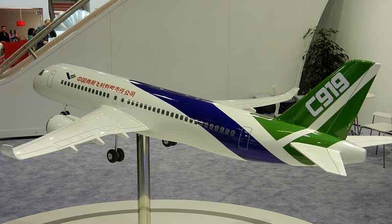 Comac C-919 Model in 2011 (cropped)